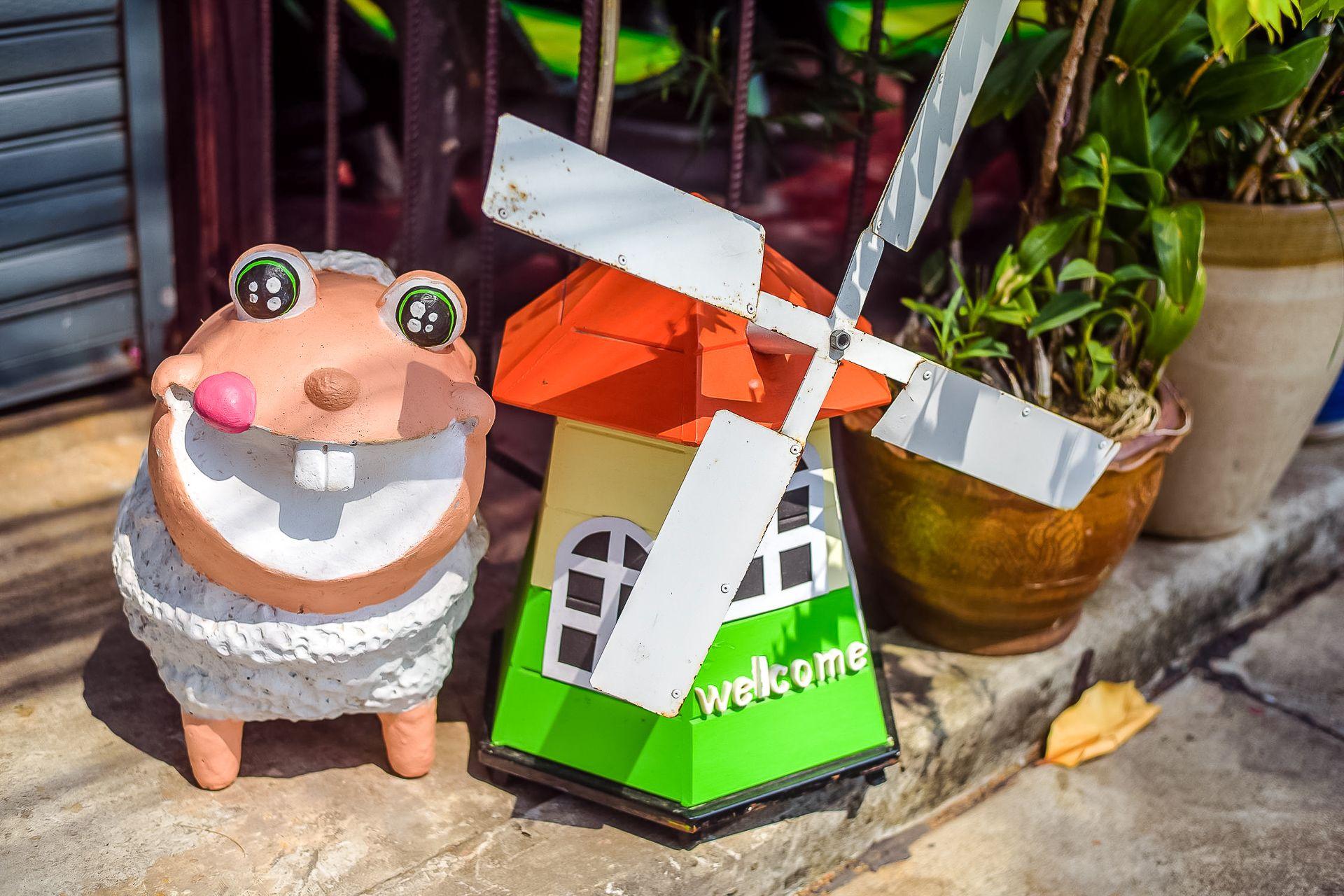 улыбка, Таиланд, Тайланд, тайская улыбка, тайцы, смайл, позитив, лето, солнце, овечка, веселая овечка, мельница, декор для сада
