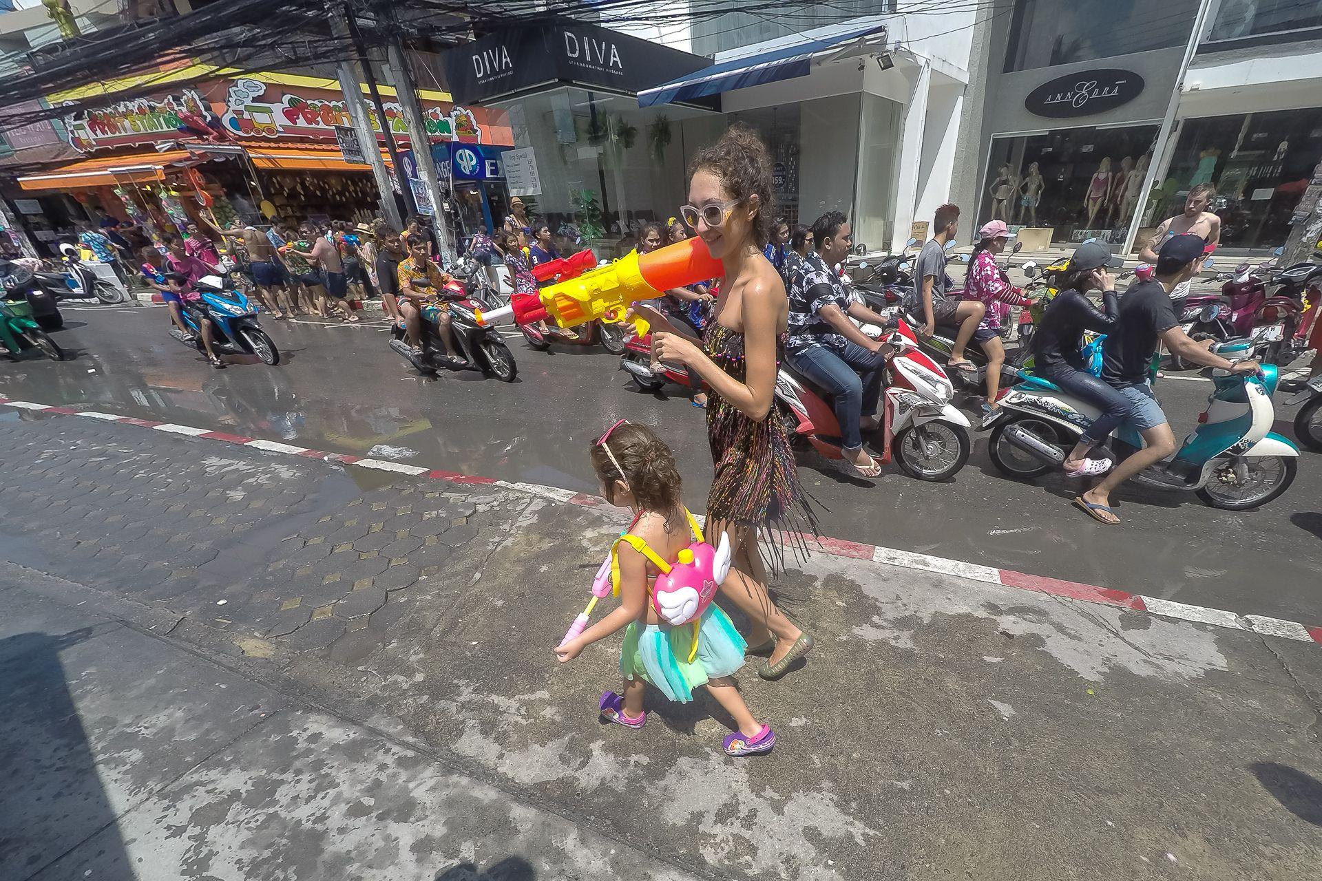 Самуи, Таиланд, сонгкран, сонкран, тайский новый год, водная битва, водяной пистолет, веселье, songkran, Thai new year ,Thailand, Samui, water, water battle, water gun, happy new year