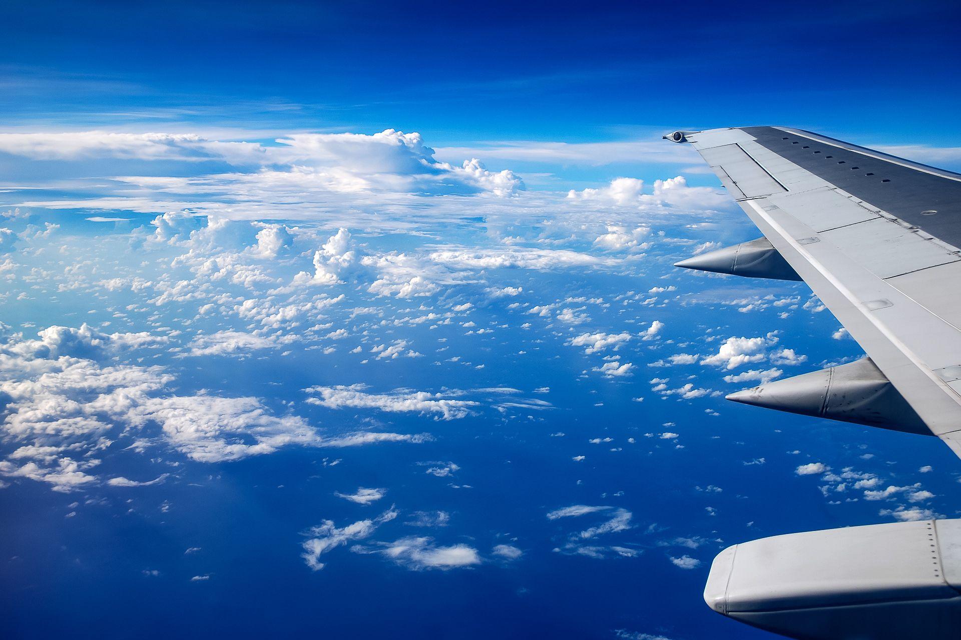 airplan sky