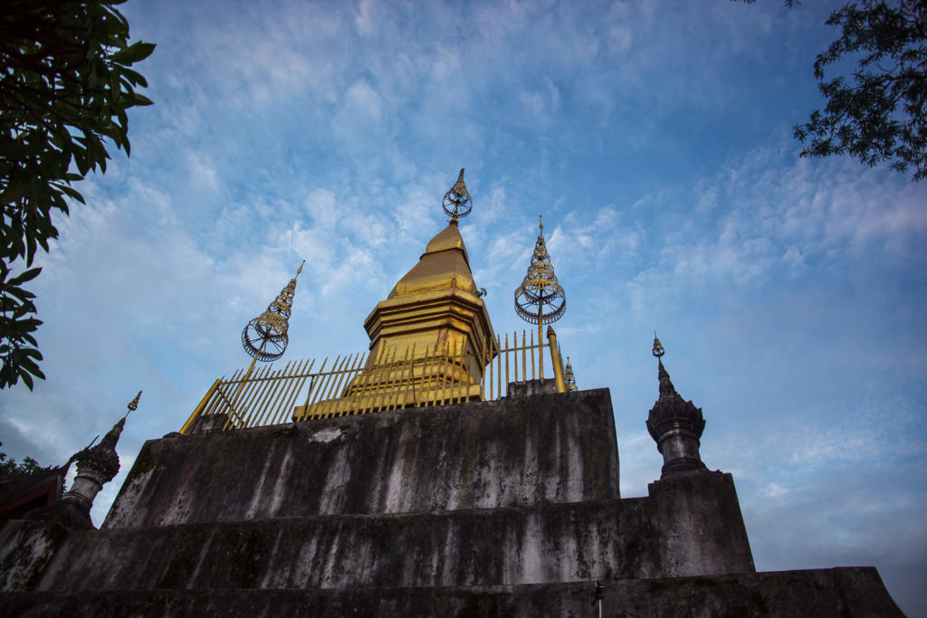 Phousi, Phu Si, Luang Prabang, Laos, Луанг Прабанг, Лаос, пагода, Пу си, Пху Си, буддизм, традиции, культура, достопримечательность