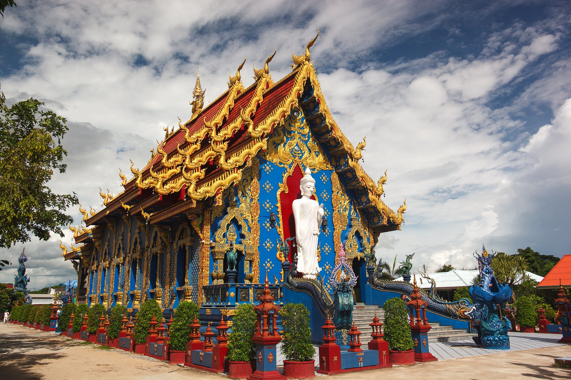 Rong Suea Ten Temple, Chiang Rai, Blue temple, Голубой храм, Чианграй, Чианг Рай, Таиланд,