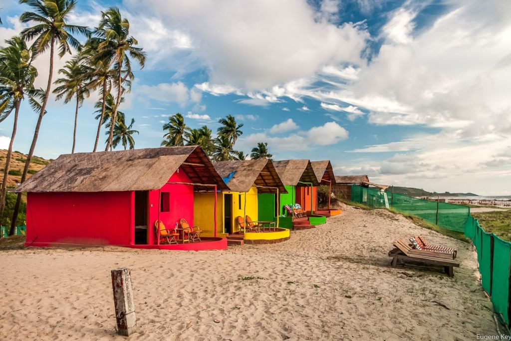 Индия, Гоа, штат Гоа, пляж, бунгало, песок, лето, облака, пальмы, India, Goa, beach