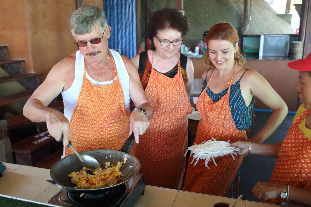 мастер-класс, кулинарные курсы, рецепт, тайская кухня, готовим тайские блюда, как приготовить, Таиланд, Самуи, развлечение, master class, cooking courses, recipe, Thai kitchen, cooking Thai dishes, how to cook, Thailand, Samui, entertainment, pad thai, пад тай, лапша падтай