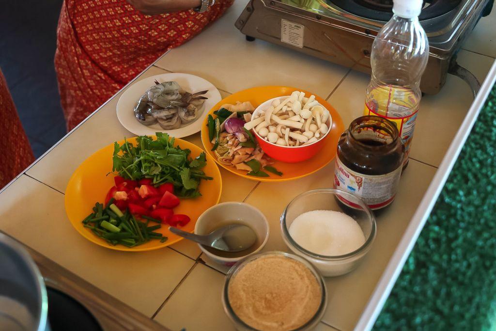Tom Yum, Том ям, рецепт том яма , как готовить том ям, тайский суп, мастер-класс, кулинарные курсы, рецепт, тайская кухня, готовим тайские блюда, как приготовить, Таиланд, Самуи, развлечение, master class, cooking courses, recipe, Thai kitchen, cooking Thai dishes, how to cook, Thailand, Samui, entertainment
