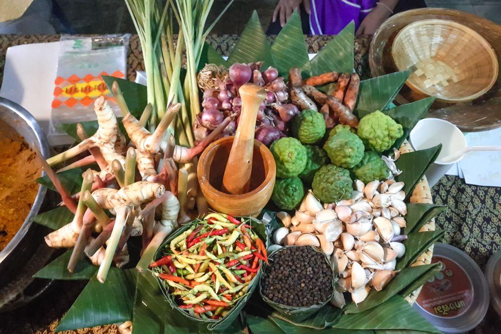 специи, Tom Yum, Том ям, рецепт том яма , как готовить том ям, тайский суп, мастер-класс, кулинарные курсы, рецепт, тайская кухня, готовим тайские блюда, как приготовить, Таиланд, Самуи, развлечение, master class, cooking courses, recipe, Thai kitchen, cooking Thai dishes, how to cook, Thailand, Samui, entertainment