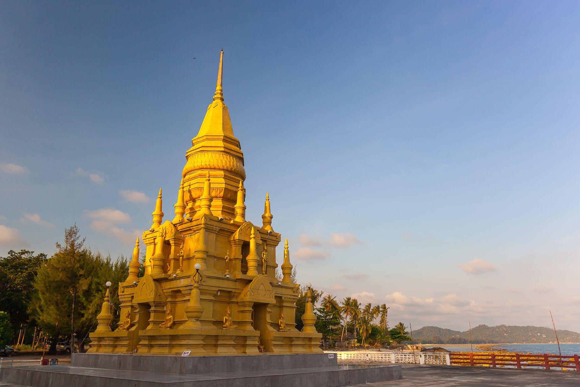 Pagoda Laem Sor, temple laem sor samui, koh samui, buddha, Thailand, wat, золотая ступа на самуи, золотая пагода на самуи, пагода Лаем Сор, пагода Лэм Сор, Лем Сор, достопримечательности Самуи, что посмотреть на Самуи, смотровые площадки на Самуи, храмы на Самуи, вьюпоинт, буддизм, ступа, пагода,