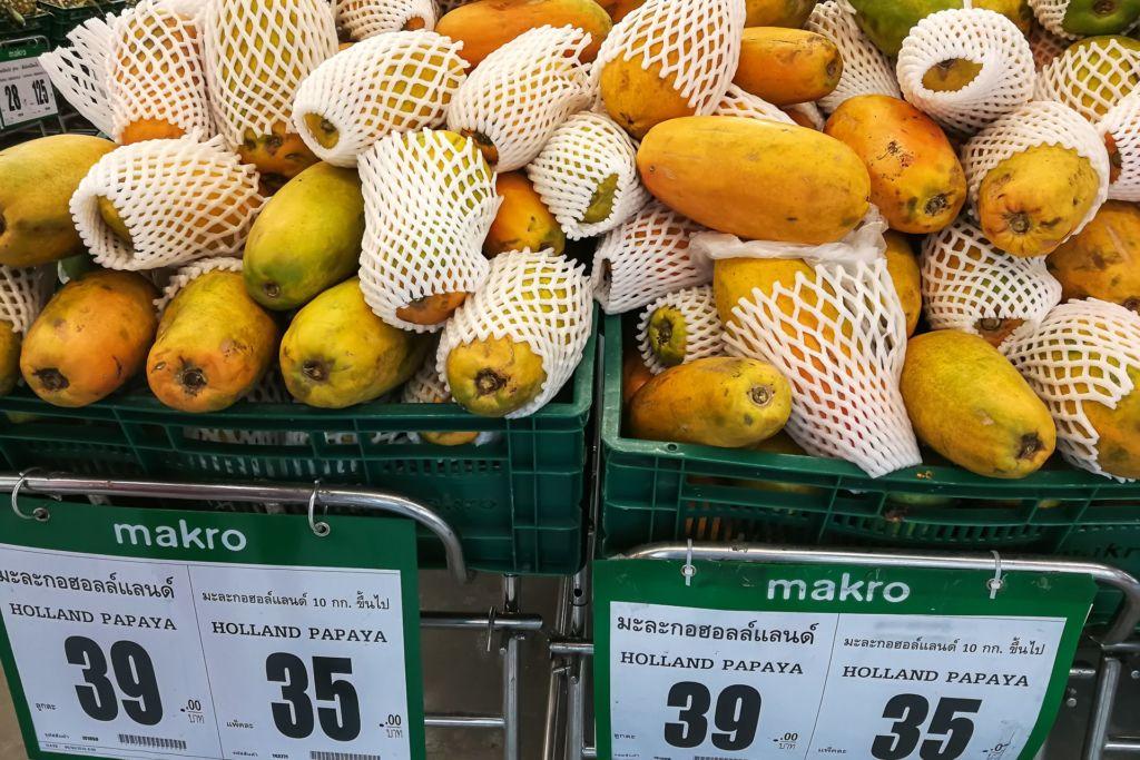 папайя, Food price Thailand, Tesko Lotus, Makro, Samui supermarket, цены на Самуи, цены на продукты в Таиланде, тайский супермаркет, обзор цен в Таиланде, обзор цена на Самуи, сколько стоит мясо в Таиланде, сколько стоят морепродукты в Таиланде, цены, Макро, Теско, Самуи, Тай,