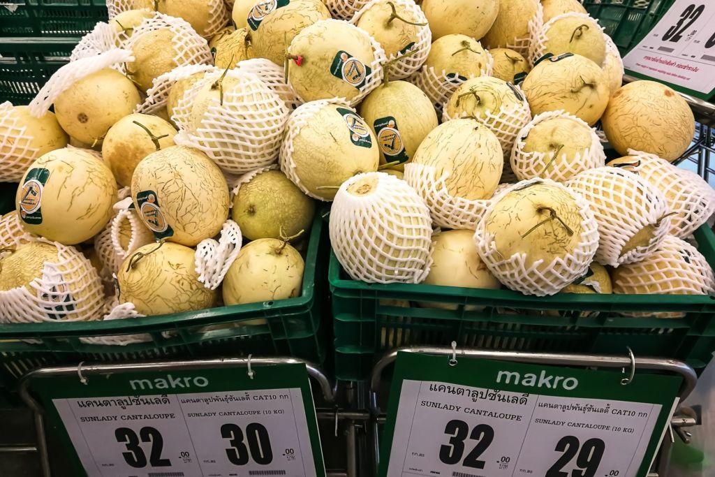 дыня, Food price Thailand, Tesko Lotus, Makro, Samui supermarket, цены на Самуи, цены на продукты в Таиланде, тайский супермаркет, обзор цен в Таиланде, обзор цена на Самуи, сколько стоит мясо в Таиланде, сколько стоят морепродукты в Таиланде, цены, Макро, Теско, Самуи, Тай,