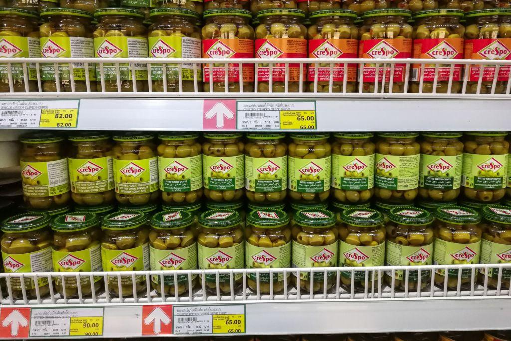 оливки, маслины, Food price Thailand, Tesko Lotus, Makro, Samui supermarket, цены на Самуи, цены на продукты в Таиланде, тайский супермаркет, обзор цен в Таиланде, обзор цена на Самуи, сколько стоит мясо в Таиланде, сколько стоят морепродукты в Таиланде, цены, Макро, Теско, Самуи, Тай,