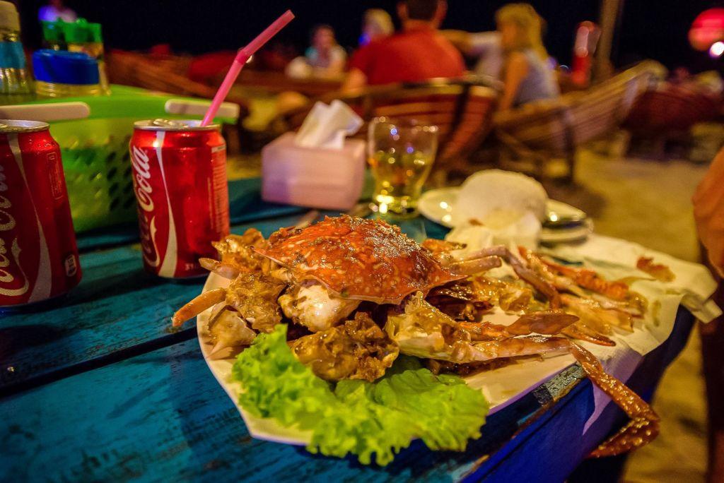 Камбоджа, пляжи Камбоджи, вечеринка на пляже, закат на пляже, закат, море, веселье на пляже, морепродукты в Камбодже, огненное шоу, дискотека, молодежная тусовка, Сиануквиль, Cambodia, Cambodia beaches, beach party, beach sunset, sunset, sea, beach fun, seafood in Cambodia, fire show, disco, youth party, Sihanoukville, The City of Sihanouk, Sihanouk City