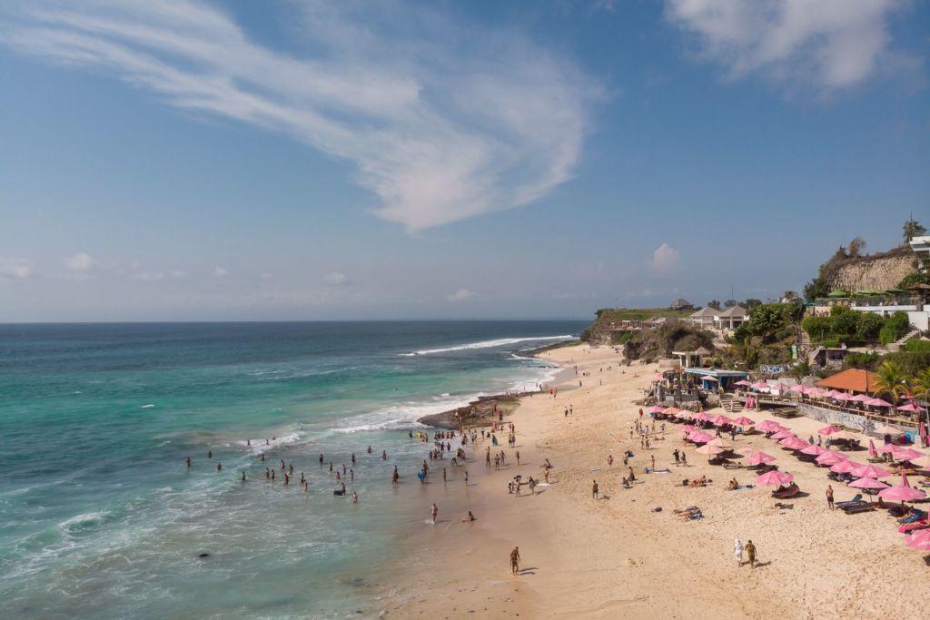 Bali, Indonesia, Bali beaches, beach bali, summer, ocean, sea, Bali sea, Indian ocean, Бали, пляжи Бали, пляжный отдых на Бали, где купаться на Бали, где белый песок на Бали, Бали море или океан, Индийский океан, море, лето, пляж, океан, волны, дримленд пляж бали, дримлэнд бали, дримленд бич бали, dreamleand beach пляжи Бали Что вам надо знать про пляжи Бали? Dreamlend mavic 1 1 1024x683