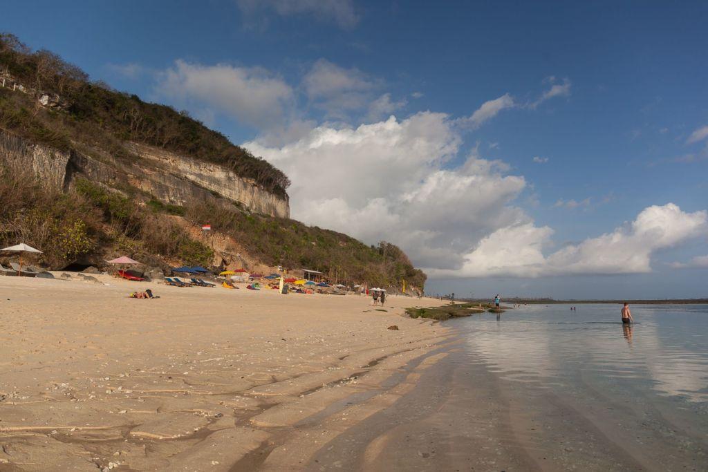 Bali, Indonesia, Bali beaches, beach bali, summer, ocean, sea, Bali sea, Indian ocean, Бали, пляжи Бали, пляжный отдых на Бали, где купаться на Бали, где белый песок на Бали, Бали море или океан, Индийский океан, море, лето, пляж, океан, волны, пляж карма бали, карма бали, карма бич бали, karma beach bali пляжи Бали Что вам надо знать про пляжи Бали? Karma 9 1024x683