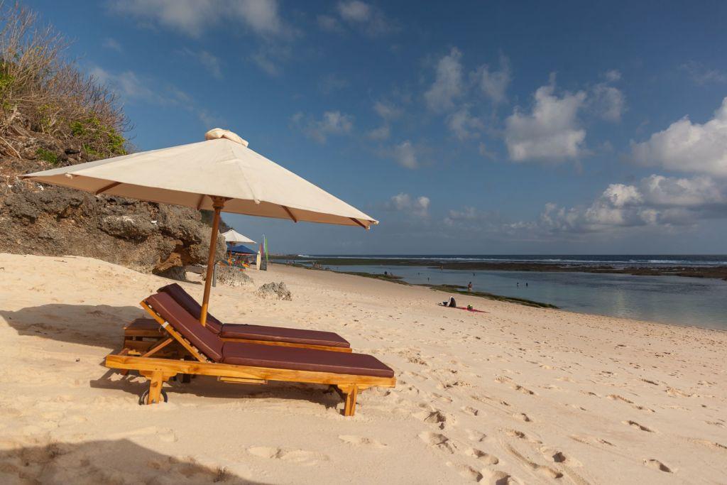 Bali, Indonesia, Bali beaches, beach bali, summer, ocean, sea, Bali sea, Indian ocean, Бали, пляжи Бали, пляжный отдых на Бали, где купаться на Бали, где белый песок на Бали, Бали море или океан, Индийский океан, море, лето, пляж, океан, волны, пляж карма бали, карма бали, карма бич бали, karma beach bali пляжи Бали Что вам надо знать про пляжи Бали? Karma 12 1024x683