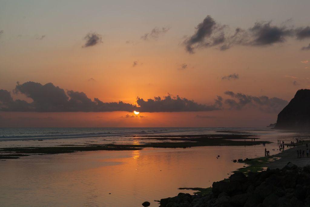 Bali, Indonesia, Bali beaches, beach bali, summer, ocean, sea, Bali sea, Indian ocean, Бали, пляжи Бали, пляжный отдых на Бали, где купаться на Бали, где белый песок на Бали, Бали море или океан, Индийский океан, море, лето, пляж, океан, волны, пляж меласти бали, меласти бали, меласти бич бали, melasti beach bali, пляж меласити на бали пляжи Бали Что вам надо знать про пляжи Бали? Melasti 1 1024x683