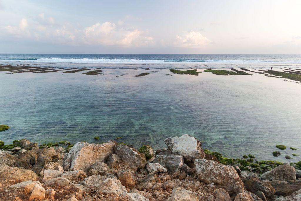 Bali, Indonesia, Bali beaches, beach bali, summer, ocean, sea, Bali sea, Indian ocean, Бали, пляжи Бали, пляжный отдых на Бали, где купаться на Бали, где белый песок на Бали, Бали море или океан, Индийский океан, море, лето, пляж, океан, волны, пляж меласти бали, меласти бали, меласти бич бали, melasti beach bali, пляж меласити на бали пляжи Бали Что вам надо знать про пляжи Бали? Melasti 2 1024x683