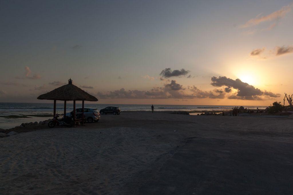 Bali, Indonesia, Bali beaches, beach bali, summer, ocean, sea, Bali sea, Indian ocean, Бали, пляжи Бали, пляжный отдых на Бали, где купаться на Бали, где белый песок на Бали, Бали море или океан, Индийский океан, море, лето, пляж, океан, волны, пляж меласти бали, меласти бали, меласти бич бали, melasti beach bali, пляж меласити на бали пляжи Бали Что вам надо знать про пляжи Бали? Melasti 3 1024x683
