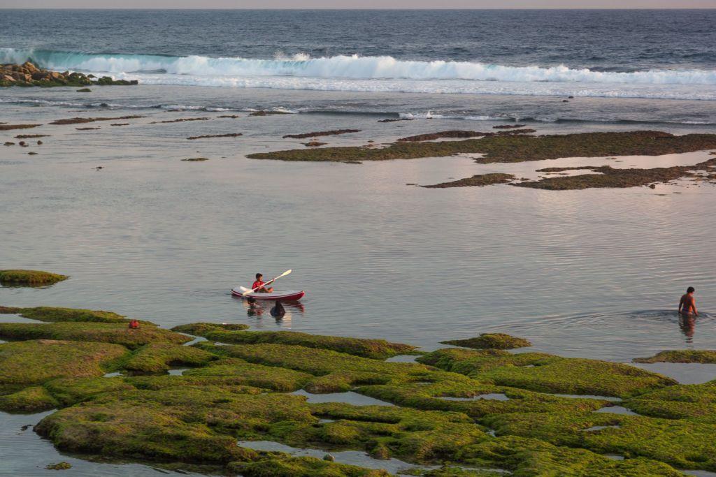 Bali, Indonesia, Bali beaches, beach bali, summer, ocean, sea, Bali sea, Indian ocean, Бали, пляжи Бали, пляжный отдых на Бали, где купаться на Бали, где белый песок на Бали, Бали море или океан, Индийский океан, море, лето, пляж, океан, волны, пляж меласти бали, меласти бали, меласти бич бали, melasti beach bali, пляж меласити на бали пляжи Бали Что вам надо знать про пляжи Бали? Melasti 5 1024x683