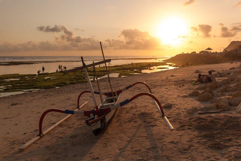 Bali, Indonesia, Bali beaches, beach bali, summer, ocean, sea, Bali sea, Indian ocean, Бали, пляжи Бали, пляжный отдых на Бали, где купаться на Бали, где белый песок на Бали, Бали море или океан, Индийский океан, море, лето, пляж, океан, волны, пляж меласти бали, меласти бали, меласти бич бали, melasti beach bali, пляж меласити на бали пляжи Бали Что вам надо знать про пляжи Бали? Melasti 8 1024x683