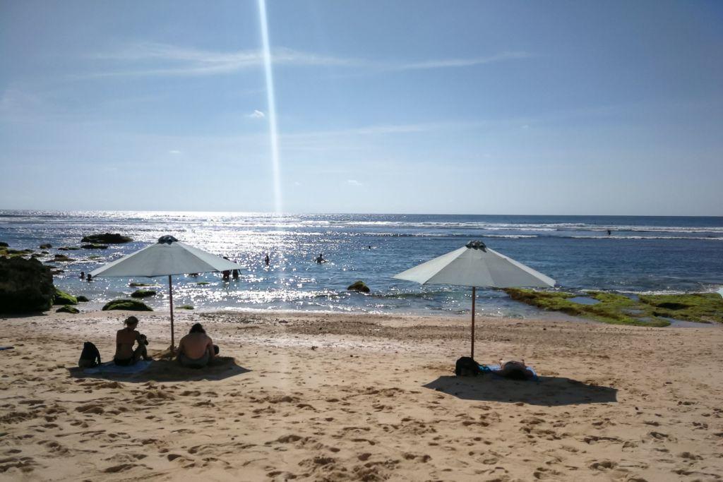 Bali, Indonesia, Bali beaches, beach bali, summer, ocean, sea, Bali sea, Indian ocean, Бали, пляжи Бали, пляжный отдых на Бали, где купаться на Бали, где белый песок на Бали, Бали море или океан, Индийский океан, море, лето, пляж, океан, волны, пляж сулубан бали, сулубан бали, сулубан бич бали, suluban beach bali, пляж сулубан на бали, разбитые корабли на пляже бали, старые корабли на пляже бали, серфинг на бали пляжи Бали Что вам надо знать про пляжи Бали? Suluban 6 1024x683