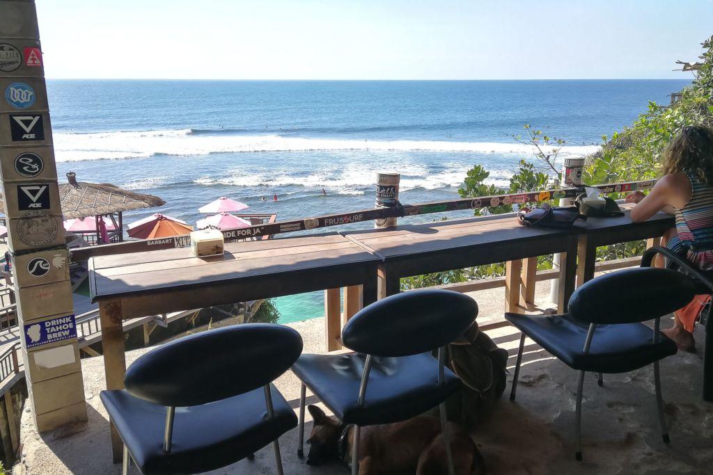 Bali, Indonesia, Bali beaches, beach bali, summer, ocean, sea, Bali sea, Indian ocean, Бали, пляжи Бали, пляжный отдых на Бали, где купаться на Бали, где белый песок на Бали, Бали море или океан, Индийский океан, море, лето, пляж, океан, волны, пляж сулубан бали, сулубан бали, сулубан бич бали, suluban beach bali, пляж сулубан на бали, разбитые корабли на пляже бали, старые корабли на пляже бали, серфинг на бали пляжи Бали Что вам надо знать про пляжи Бали? Suluban 11 1024x683