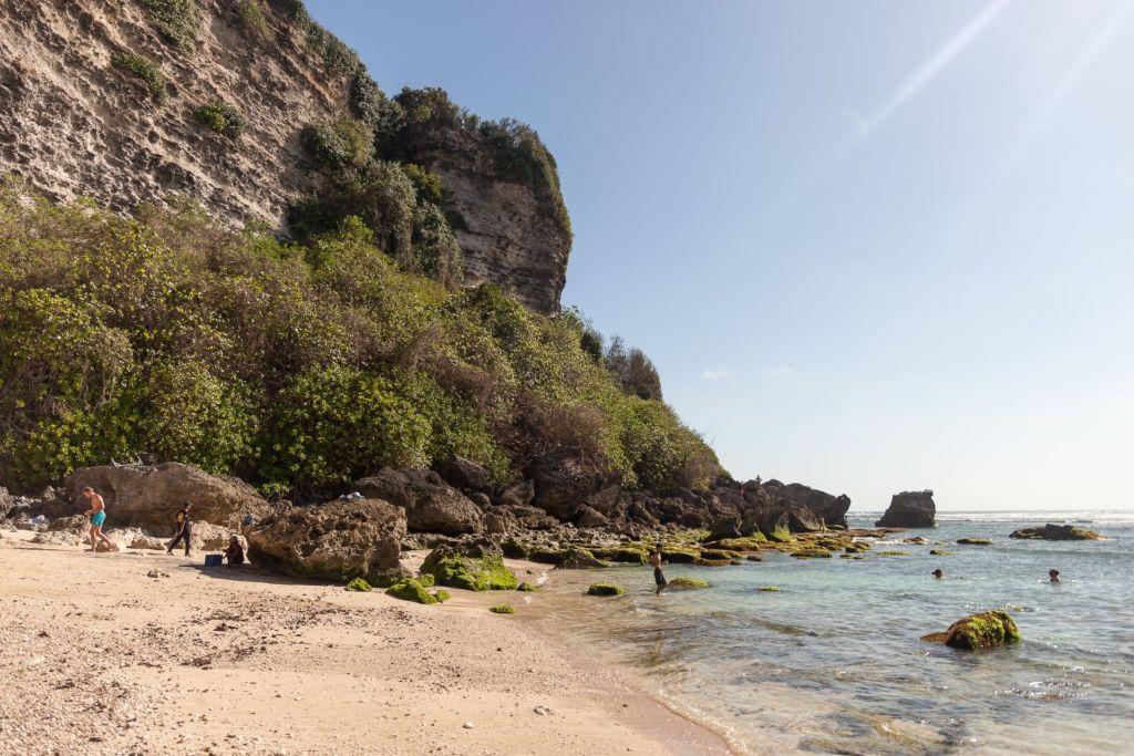 Bali, Indonesia, Bali beaches, beach bali, summer, ocean, sea, Bali sea, Indian ocean, Бали, пляжи Бали, пляжный отдых на Бали, где купаться на Бали, где белый песок на Бали, Бали море или океан, Индийский океан, море, лето, пляж, океан, волны, пляж сулубан бали, сулубан бали, сулубан бич бали, suluban beach bali, пляж сулубан на бали, разбитые корабли на пляже бали, старые корабли на пляже бали, серфинг на бали пляжи Бали Что вам надо знать про пляжи Бали? Suluban 15 1024x683