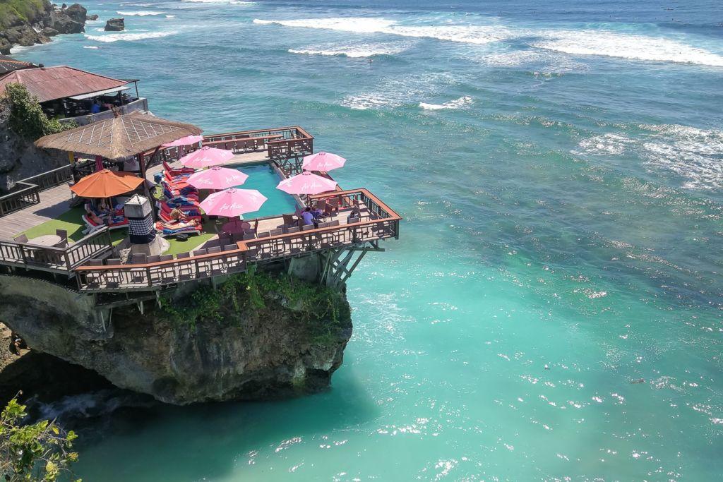 Bali, Indonesia, Bali beaches, beach bali, summer, ocean, sea, Bali sea, Indian ocean, Бали, пляжи Бали, пляжный отдых на Бали, где купаться на Бали, где белый песок на Бали, Бали море или океан, Индийский океан, море, лето, пляж, океан, волны, пляж сулубан бали, сулубан бали, сулубан бич бали, suluban beach bali, пляж сулубан на бали, разбитые корабли на пляже бали, старые корабли на пляже бали, серфинг на бали пляжи Бали Что вам надо знать про пляжи Бали? Suluban 23 1024x683