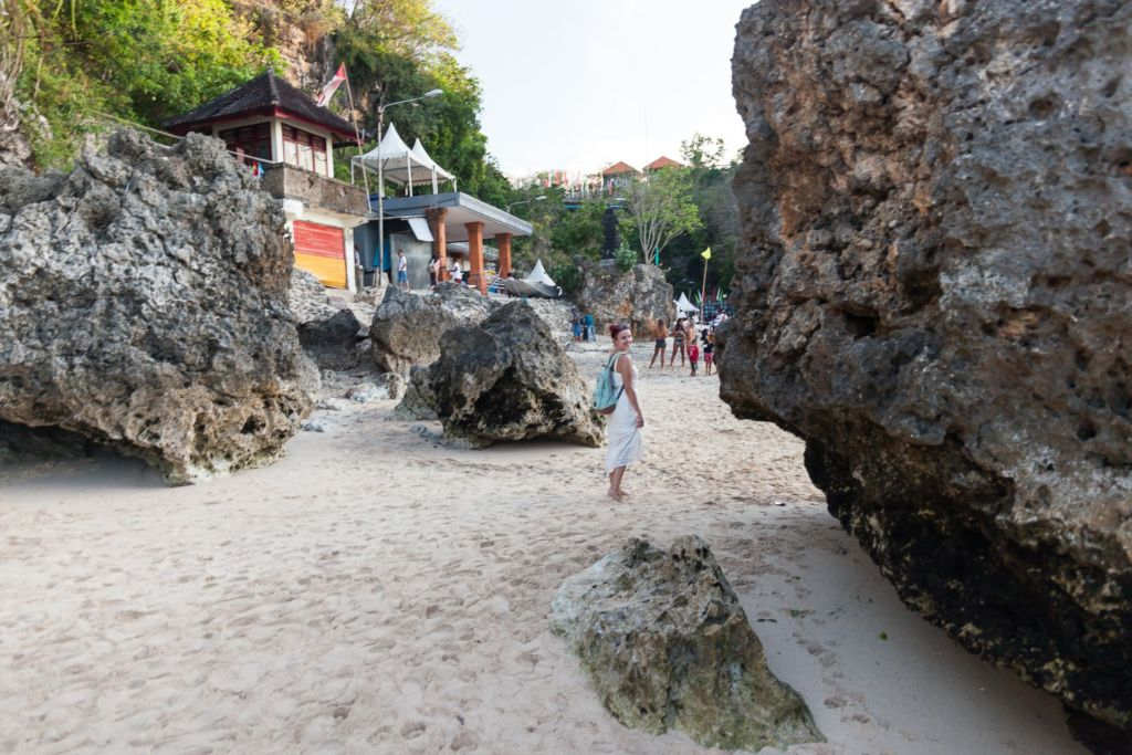 Bali, Indonesia, Bali beaches, beach bali, summer, ocean, sea, Bali sea, Indian ocean, Бали, пляжи Бали, пляжный отдых на Бали, где купаться на Бали, где белый песок на Бали, Бали море или океан, Индийский океан, море, лето, пляж, океан, волны, пляж паданг паданг бали, паданг бали, паданг паданг бич бали, padang padang beach bali, пляж паданг паданг на бали, вечер на пляже бали, популярный пляж бали, серфинг на бали, мавик эир, фото бали с коптера пляжи Бали Что вам надо знать про пляжи Бали? Padang Padang 10 1024x683