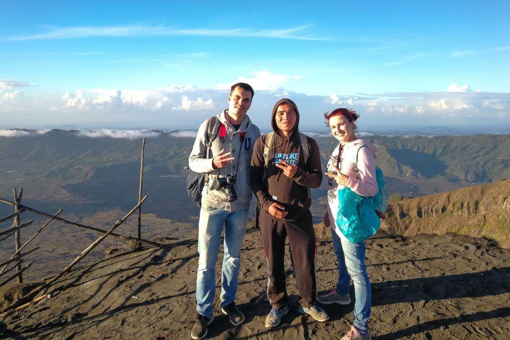Батур, Batur, вулкан Батур, volcano, Gunung Batur, восхождение на вулкан Батур, подъем на вулкан Батур, сколько стоит подъем на вулкан Батур, сколько длится подъем на Батур, что брать с собой на вулкан Батур, самостоятельно на батур, самостоятельное восхождение на Батур, вулканы Бали, Агунг, Абанг, обезьяны на Бали, природа на Бали, рассвет на вулкане, рассвет на вулкане Батур, экскурсия на Батур, горячие источники на бали, горячие источники у Батура, черная лава, вулканическая лава, застывшая лава на Бали, жерло вулкана, кальдера вулкана, треккинг на Батур, mount Batur, гид на Батур,