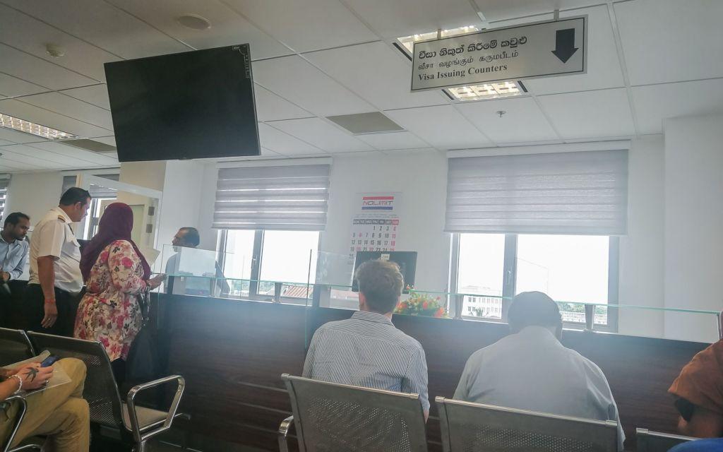 SriLanka, visa, Srilanka visa, Шри-Ланка виза, виза на Шри-Ланку, виза в Шри Ланку , виза по прибытию на Шри Ланку, виза в аэропорту Шри Ланки, виза в аэропорту Коломбо, сколько стоит виза на Шри Ланку, виза на Шри Ланку для беларусов, виза на Шри Ланку для украинцев, виза на Шри Ланку 2019, нужна ли виза на Шри Ланку для россиян, нужна ли виза на Шри Ланку для украинцев, нужна ли виза на Шри-Ланку 2019, как продлить визу на Шри Ланку, где продлевают визу на Шри Ланку, продление визы в Коломбо, виза на три месяца на Шри-Ланку, как продлить визу на два месяца на Шри-Ланке, где находится иммиграционный офис на Шри-Ланке, как обраться до визового центра в Коломбо, какие документы нужны для визы на Шри Ланку