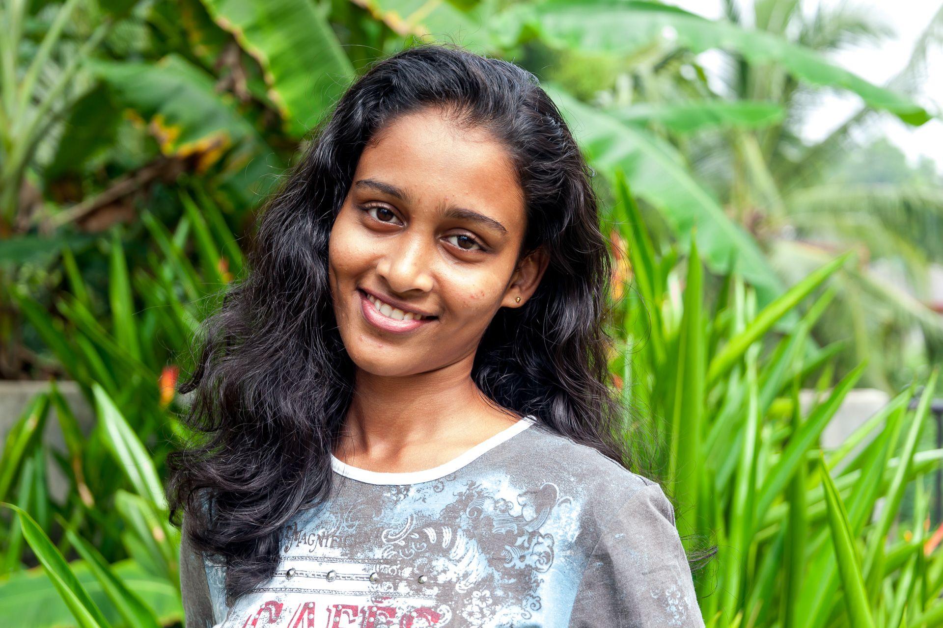 Шри-Ланка, интервью с жителем Шри-Ланки, сингальская девушка