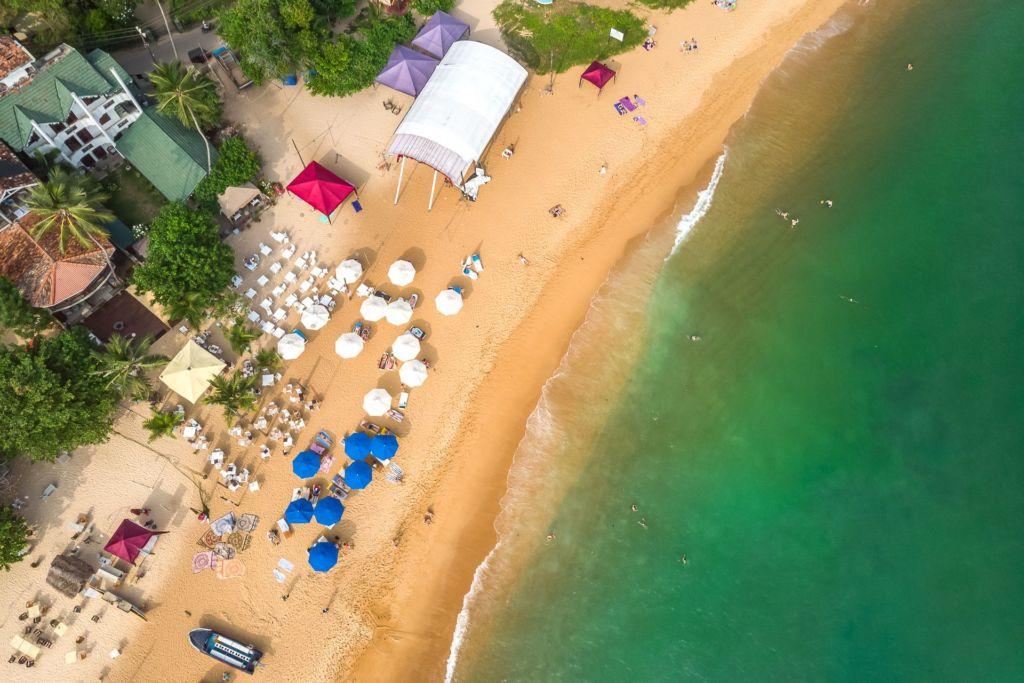 beach Srilanka, Unawatuna beach, Унаватуна, Унаватуна пляж, плажи Унаватуны, фото Унаватуна, волны на унаватуне, кафе на пляже унаватуна, тарзанка унаватуна, пляжи шри-ланки, фотографии шри-ланка