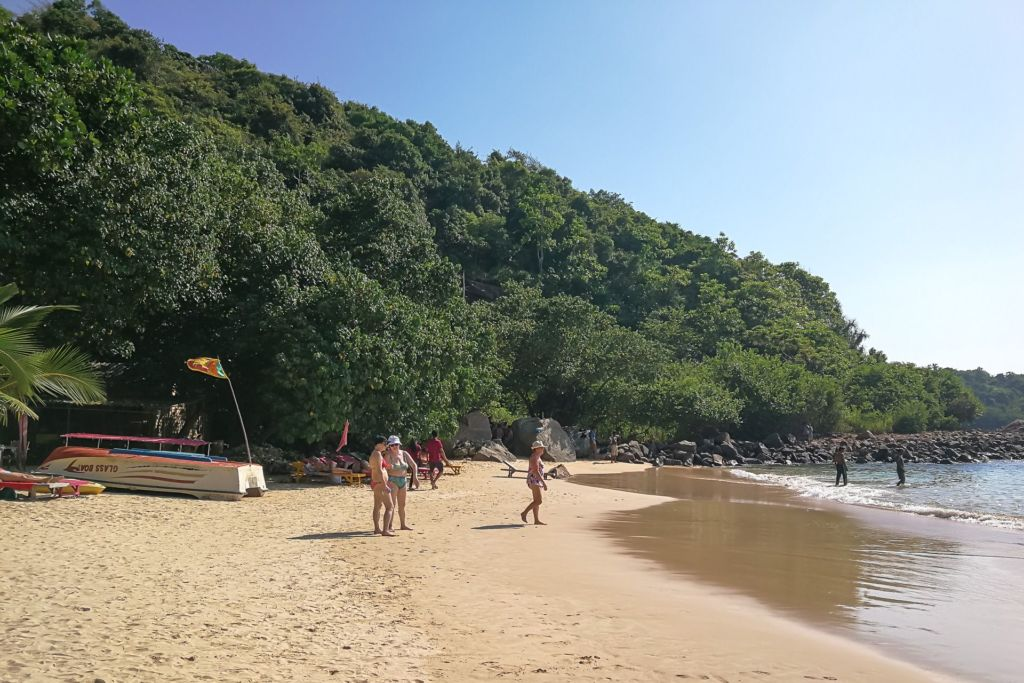 Jungle beach Srilanka, Unawatuna beach, Унаватуна, Унаватуна пляж, плажи Унаватуны, фото Унаватуна, волны на унаватуне, кафе на пляже унаватуна, джангл бич унаватуна, пляжи шри-ланки, фотографии шри-ланка, джангл бич шри-ланка фото, хорошие пляжи на Шри-Ланке, пляжи без волн на Шри-Ланке