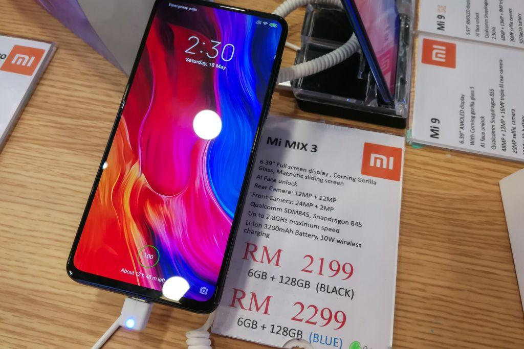 Куала-Лумпур, Куала-Лумпур цены, Куала-Лумпур купить ноутбук, Куала-Лумпур сколько стоит телефон, купить телефон в малайзии, купить телефон в Куала-Лумпуре, цены в Малайзии, цены в Малайзии 2019, цены в Куала-Лумпуре 2019, сколько стоит квадрокоптер в Малайзии, сколько стоит дрон в Малайзии, сколько стоит айфон в Малайзии, сколько стоит самсунг в малайзии, Plaza Low Yat, торговый центр Куала-лумпур, торговый центр техники и электроники в Малайзии, шоппинг Малайзия, шоппинг Куала-Лумпур, электроника Малайзия цены