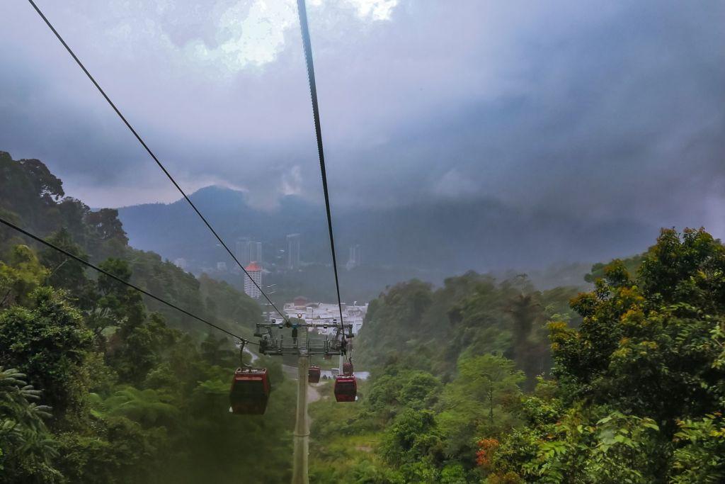 Малайзия, Куала-Лумпур, канатная дорога,что посмотреть в Куала-Лумпуре, развлечения Куала-Лумпур, экскурсии в Куала-Лумпуре, интересные места в Куала-Лумпуре, Гентинг Хайлендс, Genting Highlands, Kuala Lumpur, Malaysia